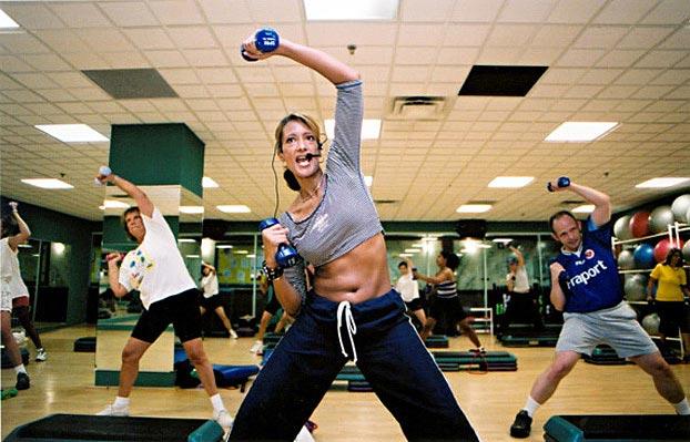 Какие нужно делать упражнение что бы похудела попа